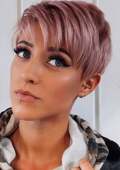 14 Amazing Pixie Haircut You Can Try Now Pixie Cut Thin Hair, Short Hair With Layers, Short Hair Cuts, Short Hair Styles, Long Pixie, Pixie Cuts, Hair Color Pink, Pink Hair, Pixie Haircut Color
