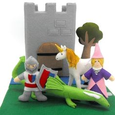 soo cute!!   Us$5.99  .Medieval Castle Play Tote Pattern- Princess, Knight, Dragon, Unicorn, Tree, Castle and Accessories all out of felt!