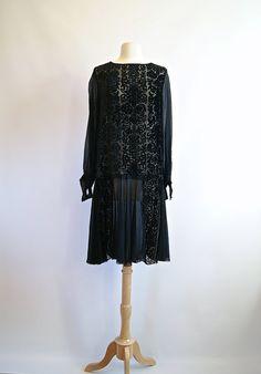 Exquise des années 1920 Burnout Black Velvet par xtabayvintage