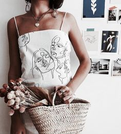The Art Of A Creative Community Your Story Beautifully Told Vintage Outfits art Beautifully Community Creative story Told Diy Fashion, Fashion Outfits, Fashion Design, Spring Fashion, Flower Fashion, Fashion Women, Vintage Outfits, Diy Vetement, Painted Clothes