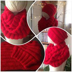 Je ne vois pas le temps passer et le marché de Noël arrive à grands pas, aussi, en ce moment, vu le temps... Crochet Christmas Hats, Crochet Hats, Family Christmas, Cowl, Textiles, Point, High Neck Dress, Knitting, Diy
