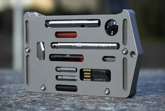 O Jackfish é um verdadeiro Porta-cartão Sobrevivência, que poderia muito bem ter sido desenvolvido para os filmes de James Bond. Uma pequena caixa que guarda…