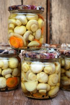 Pieczarki marynowane Marinated Mushrooms, Stuffed Mushrooms, Good Food, Yummy Food, Polish Recipes, Fermented Foods, Canning Recipes, Fruit Recipes, Diy Food
