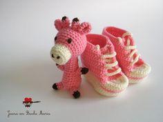 baby booties and giraffe