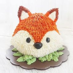 Pinterest :: @rollierex Poshmark Ambassador :: @rollierex (Sign up with my code for $5 off) IG :: @rollierex_ 3d Birthday Cake, Fox Cake, Woodland Cake, Dream Cake, Character Cakes, Cake Icing, Novelty Cakes, Girl Cakes, Occasion Cakes