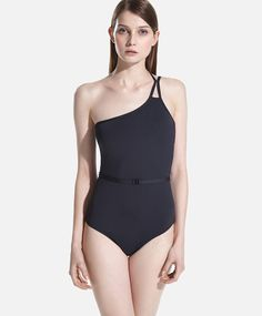 Bikinis y bañadores para estar guapa este verano