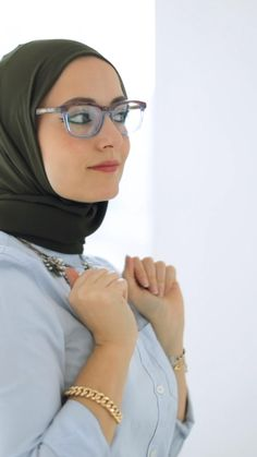 Modest Fashion Hijab, Modest Outfits, Boho Fashion, Fashion Outfits, Womens Fashion, Fashion Tips, Scarf Wearing Styles, Head Scarf Styles, Muslim Women Fashion