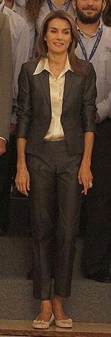 Amante de los peep toe y las plataformas, Doña Letizia optó por unas bailarinas durante la audiencia a los participantes en la IV edición del programa Becas Europa, de la Universidad Francisco de Vitoria, que se celebró el viernes en La Zarzuela. 2009
