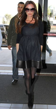 I think she looks stunning in this even being 7 months pregnant!