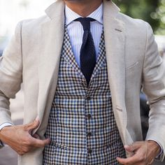 Suitsupply Waistcoat: Our tailored waistcoats are ideal to complement your style. Italian fabrics, impeccable slim fit—just a few reasons you should check out our latest arrivals! Topcoat Men, Layering Outfits, Mens Fashion, Fashion Outfits, Top Coat, Wedding Suits, Suit Jacket, Menswear, Street Style