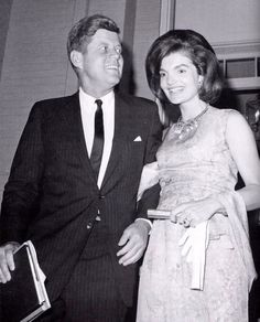 Jacqueline and John Kennedy Jfk And Jackie Kennedy, Jaqueline Kennedy, Les Kennedy, Jaclyn Kennedy, Kennedy Town, Familia Kennedy, John Junior, John Fitzgerald, American Presidents