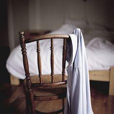 . favorit place, design homes, frame, morning light, modern interior, chairs, hous, mornings, bedroom