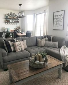 Cozy Farmhouse Living Room Decor Ideas You Can Do In The Do .- Gemütliches Bauernhaus-Wohnzimmer-Dekor-Ideen, die Sie im Dorf fühlen lassen 14 Cozy Farmhouse Living Room Decor Ideas That Make You Feel In The Village 14 - Small Living Rooms, Cozy Living, My Living Room, Home And Living, Living Room Designs, Small Living Room Sectional, Living Room Decor Grey Couch, Gray Sectional, Simple Living