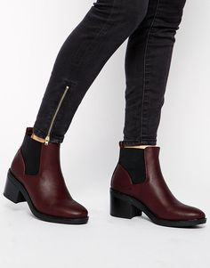 bfd88fb0f2e14 New Look Elmo Red Block Heel Chelsea Boots at asos.com. Bottes Talons  Carrés · Bottes Femme ...