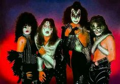 the kiss museum news Kiss Images, Kiss Pictures, Band Pictures, Kiss Army, Fearsome Foursome, Detroit Rock City, Eric Bana, Vintage Kiss, Peter Criss