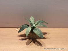 Les cuento cómo se me ocurrió hacer una planta de hojas verdes, de forma fácil y rápida   MATERIALES:    Filtro de cafetera.  Pintura acríli...