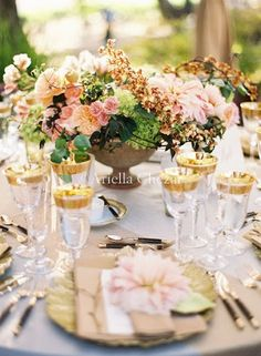 pink-romantic-wedding-centerpiece