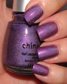 purple nails-looks like the wonderstruck bottles! Purple Nails, Glitter Nails, Purple Sparkle, Hot Nails, Hair And Nails, Holographic Nail Polish, Super Nails, Nail Shop, Gel Nail Art