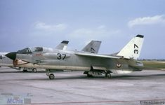 French Marine Nationale Crouze (Vought Crusader) of 12F seen at Landi Aeronavale base in 1973: 12F-37 has a painted aluminum nozzle.