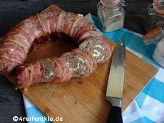 Bacon Hackrolle aus dem Omnia-Backofen. Mit diesem raffinierten Rezept verzaubert du alle!