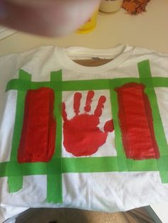 Kids craft Canada day shirt for the kids Canada Day 150, Happy Canada Day, O Canada, Summer Activities, Activities For Kids, Crafts For Kids, Summer Crafts, Summer Fun, Summer Ideas