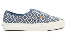 Authentic Ca blue and white Aztec patterned sneakers by Vans. Perfect shoes to complete your look, made from good material, with aztec pattern. Super cool skateboarding sneakers that will complete your casual style. http://www.zocko.com/z/JJPf0