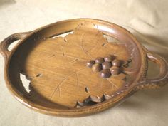 Vintage Thorens Music Box  Hand Carved Fruit Bowl  Plays Etoile de Mer