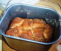 Bryanna Clark Grogan's Vegan Feast Kitchen/ 21st Century Table: BREAD MACHINE CINNAMON-NUT MONKEY BREAD