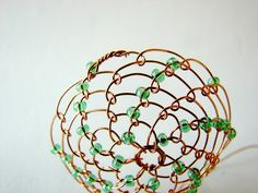 Velikonoční drátovaná vajíčka | Korálky.stoklasa.cz Spring Has Sprung, Wire Crafts, Wire Wrapping, Decorative Bowls, Wraps, Ornaments, Home Decor, Black, Wire