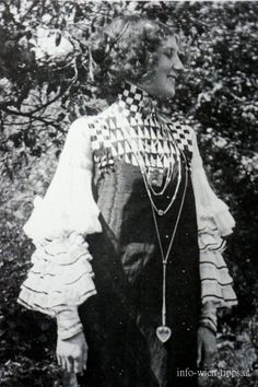 Flöge in a concert dress, Austria -  Attersee, 1906
