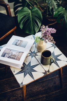 Our minds have been a muddle of choosing things for over a year, a few more to make including which vintage style patterned tiles to use for the splashback. Tile Top Tables, Tiled Coffee Table, Diy Table Top, Table Top Design, Diy Coffee Table, A Table, Mosaic Tables, Garden Coffee Table, Diy Interior