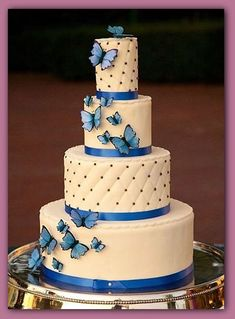 25 Awesome Wedding Cakes With Butterflies Butterfly Wedding Cake, Butterfly Cakes, Butterflies, Elegant Wedding Cakes, Wedding Cake Designs, Beautiful Cakes, Amazing Cakes, Bolo Floral, Cupcake Cakes
