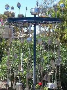 40 Simple But Beautiful DIY Upcycled Garden Decorating Ideas - 6 - Dawn Imes - Dekoration Outdoor Play Spaces, Outdoor Areas, Outdoor Fun, Eyfs Outdoor Area, Reggio, Do It Yourself Garten, Music Garden, Sensory Garden, Outdoor Classroom