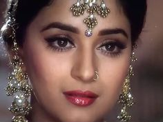 Madhuri Dixit in Hum Aapke Hain Kaun Best Bollywood Movies, Bollywood Party, Bollywood Actors, Bollywood Celebrities, Bollywood Fashion, Bollywood Style, Vintage Bollywood, Beautiful Bollywood Actress, Most Beautiful Indian Actress
