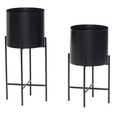 Metallic Planters with Base - Set of 2 Hübsch Adult- A large selection of Design on Smallable, the Family Concept Store - More than 600 brands. Black Planters, Metal Planters, Large Planters, Brass Planter, House Doctor, Indoor Plant Pots, Potted Plants, Black Plant Stand, Plant Stands