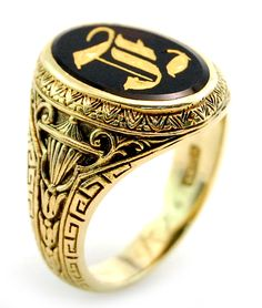 Vintage Engraved Gold Onyx Men's Signet Ring in 10K Yellow Gold Sz11.5