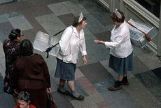 Москва, ГУМ, мороженщицы. 1980-е