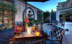 The French Quarter Inn - Charleston, SC - Elegant, Historic Hotel - breakfast on the patio