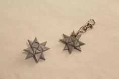 Kolmannessa luukussa on ohjeet hauskalle heijastin idealle. Pujottele heijastin nauhasta tuohitähden mallisia heijastimia ! Heijastimen e... Hobbies And Crafts, Diy And Crafts, Arts And Crafts, Rc Hobbies, Diy Paper, Paper Crafts, Presents For Teachers, Diy Origami, Paper Stars
