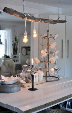 hannashantverk.blogspot.se köksö lampor på drivved Interior And Exterior, Interior Design, Branch Decor, Dining Room Lighting, New Crafts, Small Space Living, Rustic Furniture, Decoration, Living Room Decor
