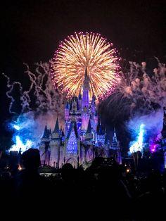 12 Ways to Maximize Time at Magic Kingdom watching the magic kingdom fireworks from main street at walt disney world Disney World Resorts, Walt Disney World, Voyage Disney World, Disney World Fotos, Disney World Castle, Disney World Pictures, Disney World Florida, Disney Day, Disney Vacations