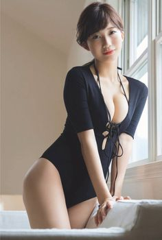 Yuka Ogura 小倉優香 How to Attract and Meet Japanese Girls and Live the Life of Your Dreams in Japan Hot Girls, Cute Asian Girls, Beautiful Japanese Girl, Beautiful Asian Women, Japanese Beauty, Femmes Les Plus Sexy, Mädchen In Bikinis, Bikini Swimwear, Sexy Bikini