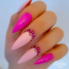 68 Beautiful Stiletto Nails Art Designs And Acrylic Nails Ideas 2020 - Lily Fashion Style Chic Nails, Dope Nails, Stylish Nails, Summer Acrylic Nails, Best Acrylic Nails, Nail Swag, Nagel Bling, Stiletto Nail Art, Crystal Nails