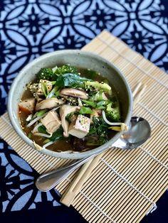 Organic Chicken Bone Broth Miso Chicken, Chicken Bones, My Recipes, Real Food Recipes, Marinated Tofu, Organic Chicken, Bone Broth, Healthy Living, Soup