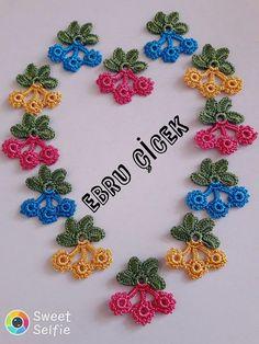 Crochet Bedspread, Needle Lace, Crochet Accessories, Crochet Flowers, Diy And Crafts, Crochet Necklace, Applique, Crochet Patterns, Textiles