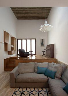 Ordinaire Unique Small House Design With Modern Decoration: Stylish House Narrow  Garden Design Interior Grey Fabric Sofa | Tiny House Love | Pinterest |  Narrow Garden ...