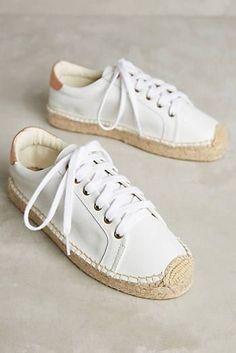 24 Comfortable Shoes To Update You Wardrobe This Winter 24 bequeme Schuhe, um Ihre Garderobe diesen Espadrille Sneakers, Leather Espadrilles, Leather Sneakers, White Espadrilles, Pretty Shoes, Cute Shoes, Me Too Shoes, Sneakers Reebok, Shoes Sneakers
