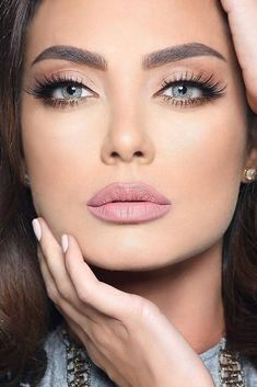 Nice 45 Trends Wedding Makeup 2018 Ideas. More at https://aksahinjewelry.com/2018/02/24/45-trends-wedding-makeup-2018-ideas/ #weddingmakeup