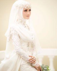 Muslim Wedding Gown, Muslimah Wedding Dress, Luxury Wedding Dress, Elegant Wedding Dress, Wedding Attire, Disney Wedding Dresses, Bridal Dresses, Bridal Hijab Styles, Bridal Veils And Headpieces