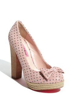 Pink with polka dots!  #Shoes #Polka_Dots